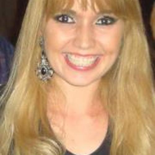Lucylle Fróis's avatar