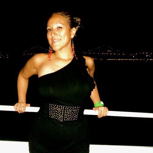 Gina Vergel's avatar