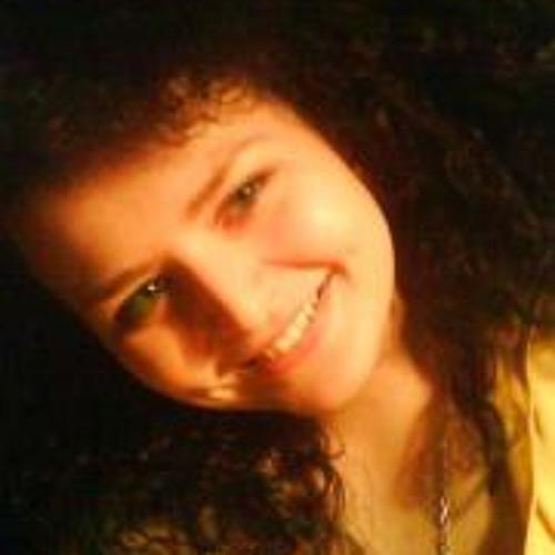Helena Anni's avatar