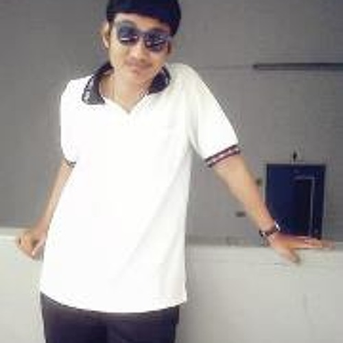 Aum'm Aung's avatar