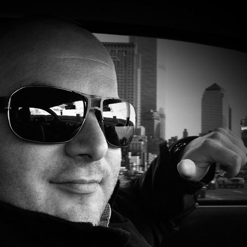 DJ Lummary Field's avatar