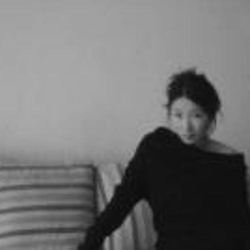 Ahmi Kim's avatar