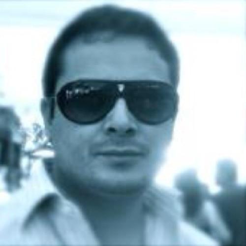 Ro Centeno's avatar