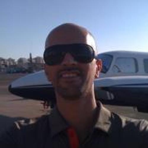 Liron Raviv's avatar
