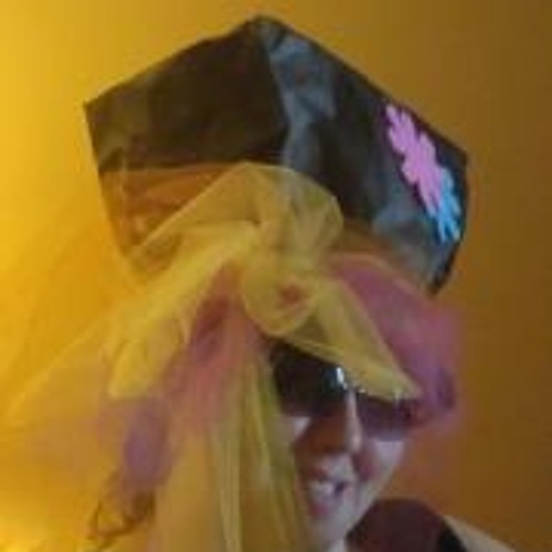 Shannon Brys Loftis's avatar