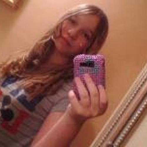 Christina Megan's avatar