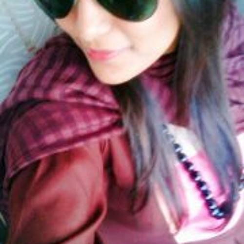 Madyha Ahmed's avatar