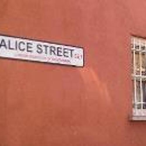 Alice Favre's avatar