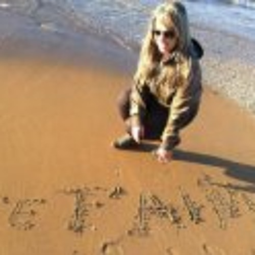 Sarah Zara's avatar