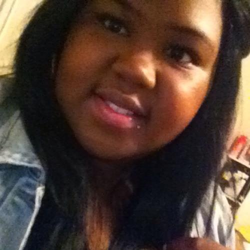 AnniqueCharne's avatar
