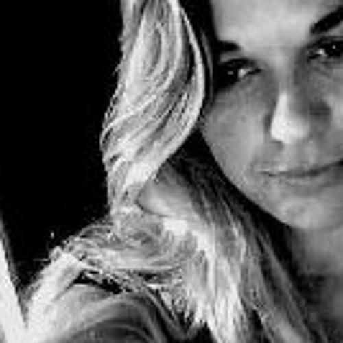Carolina França's avatar