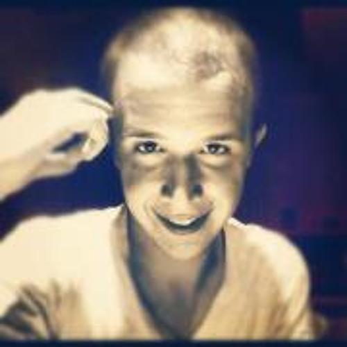 Vic Garces's avatar