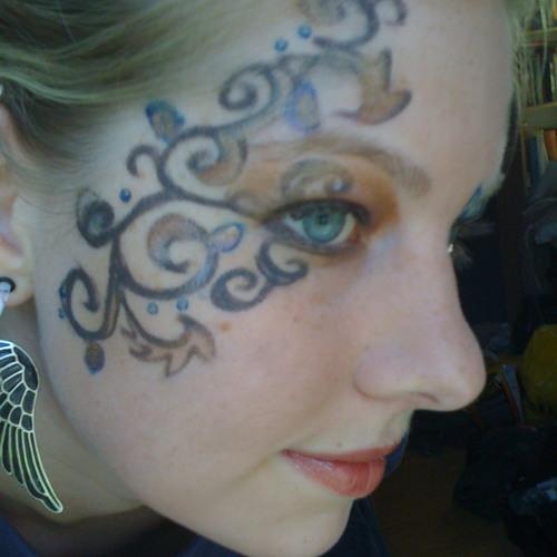 Leah Titus's avatar