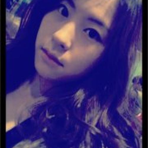 Clara Cho's avatar
