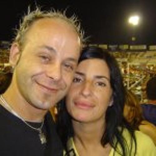 Manoli Santos's avatar