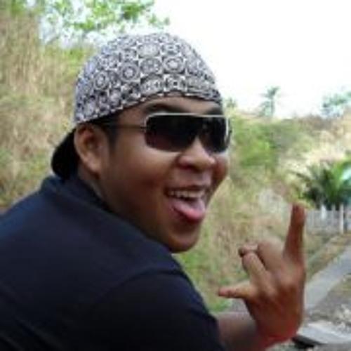 Joe Chris DeLa Peña's avatar