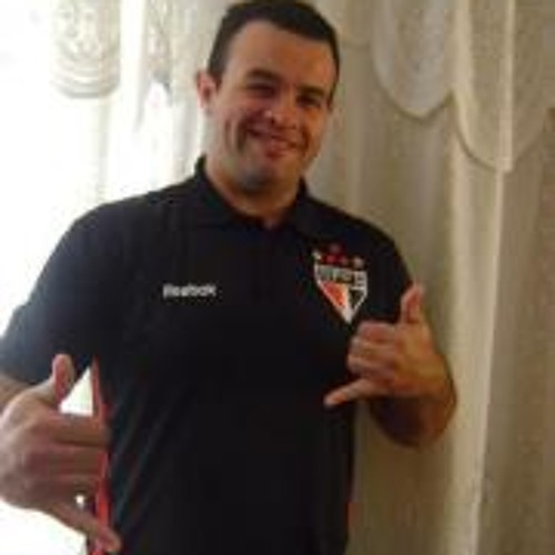 Tadeu Lopes Souza Junior's avatar
