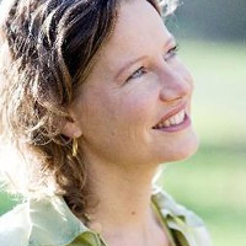 Vrijheid om te worden wie je bent. Interview Esther Jacobs bij NH Lunchroom Radio