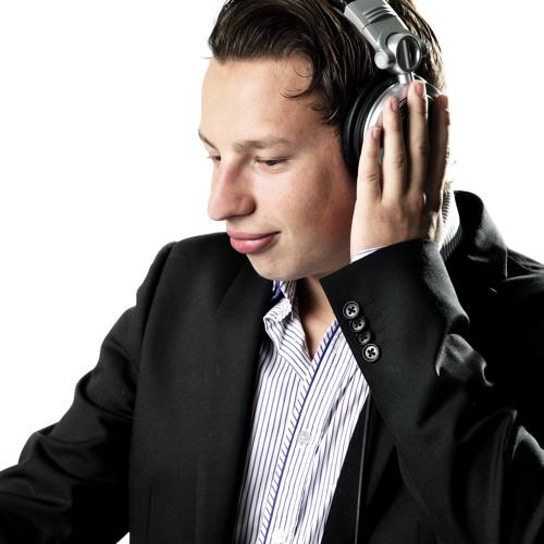 Andrew Worth's avatar