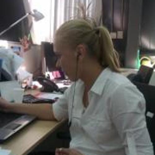 Natalya Kharl's avatar