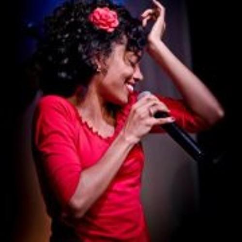 Naiara Lira's avatar
