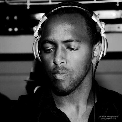 DJ ErnDiggy's avatar
