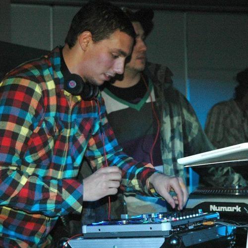 DJ Cø√eY's avatar