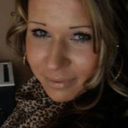 Yvonne Stern's avatar