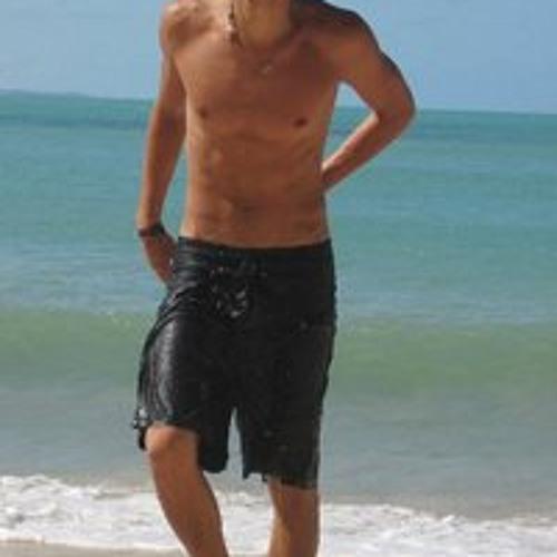 Yuval Snir's avatar