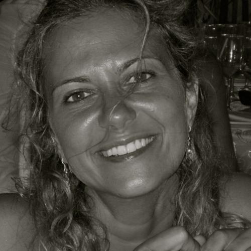 Patrícia Almeida's avatar