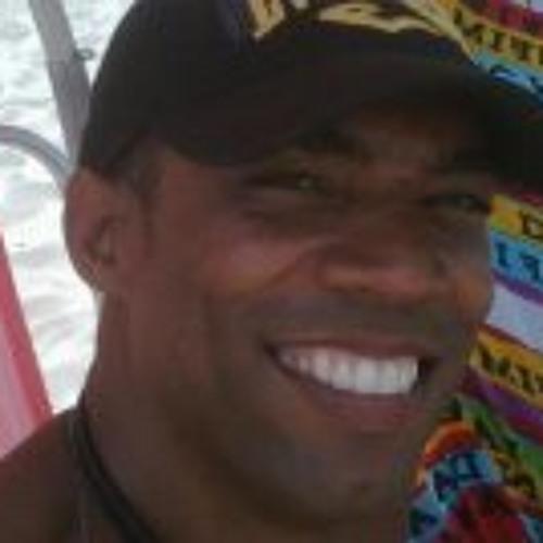 Leo Pharrell Barreto's avatar