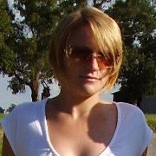 Louise Smith 2's avatar