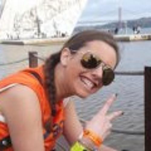 Claudia Lobo's avatar