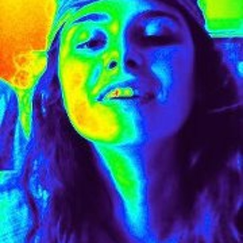 Nadine Val's avatar