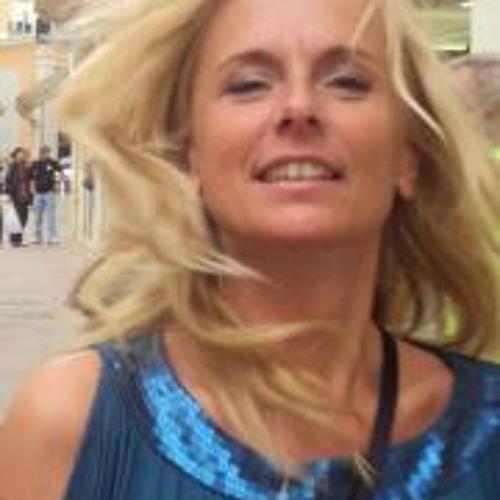 Liz Hagenbeek's avatar