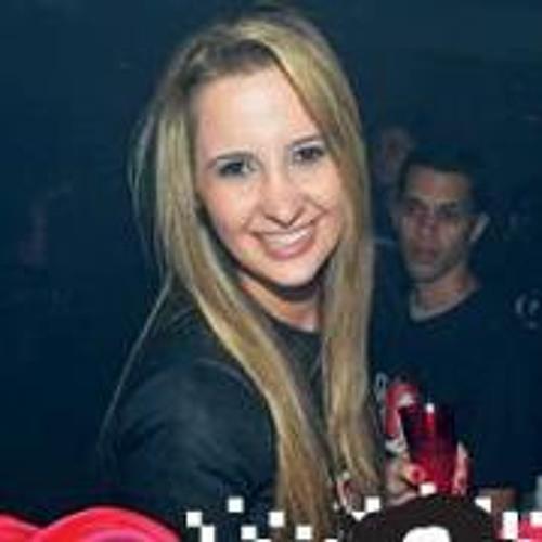 Isabela Fantin's avatar