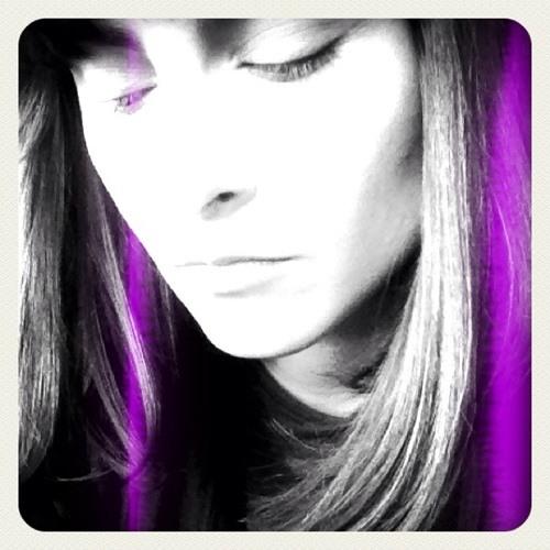 eLeNa_Jc's avatar