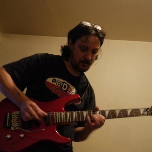 Ma guitare et moi on s aime !!