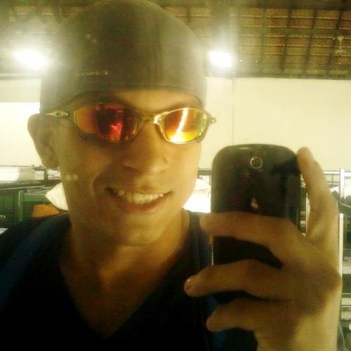 CesarBuna's avatar
