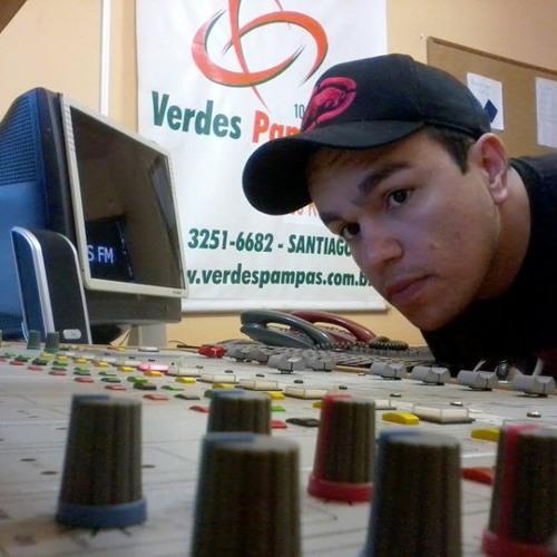 Saimon Ferreira's avatar