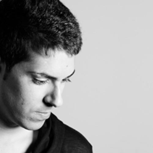 Lorenzo Navarro's avatar