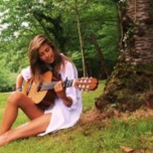 Helena Lima Santos's avatar