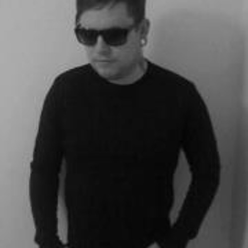 Christopher Roberts 10's avatar