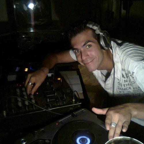 DJ STEFI's avatar