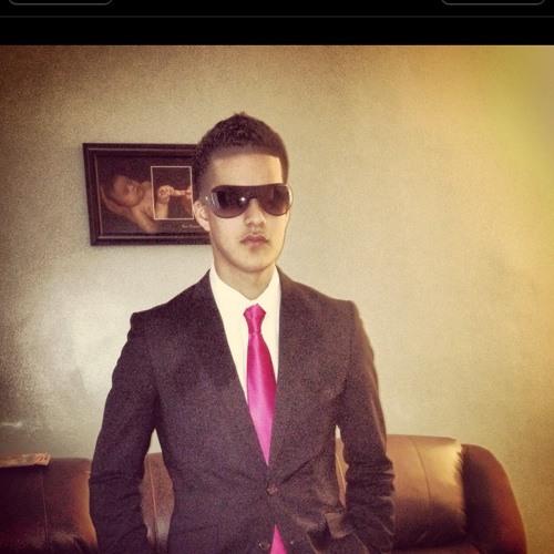 Emannuel Torres's avatar
