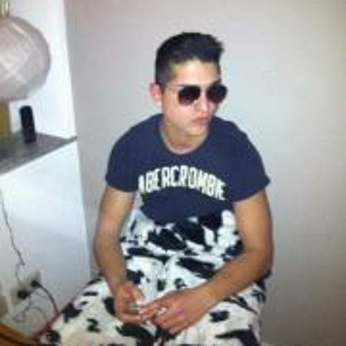 Sam Takhsha's avatar