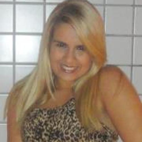 Michelle Santos 8's avatar