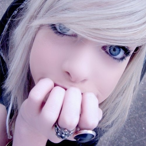 lovethsemoshit!!<3's avatar