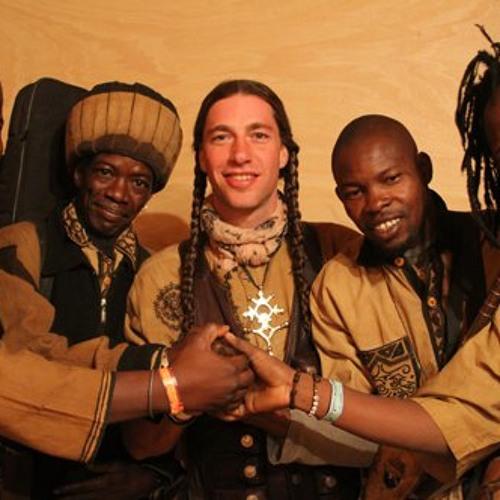 Le Monde Pour La Paix - JeConte & The Mali Allstars