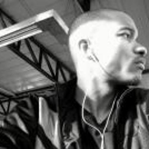 Nino Young Vipp's avatar